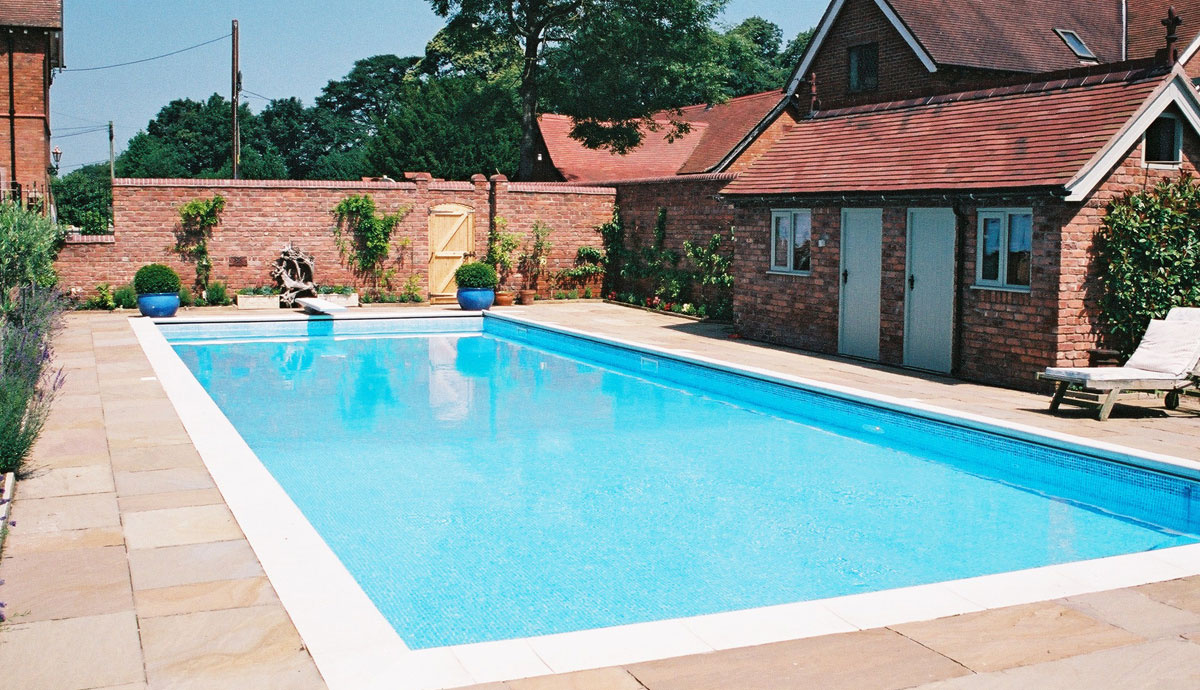 Hot tubs pool enclosures outdoor pools above ground - Outdoor swimming pool enclosures uk ...